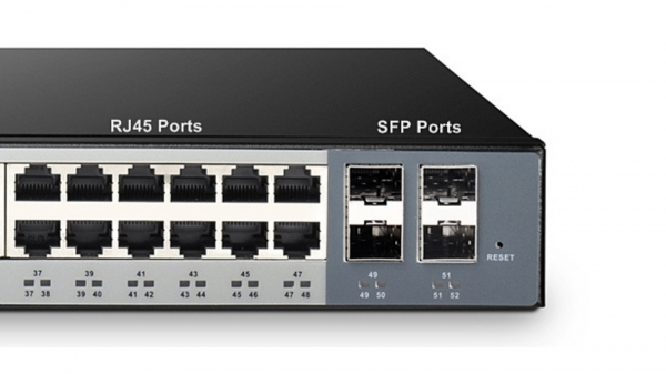 SFP Port บน Gigabit switch คืออะไร  อธิบายช่องเสียบของสวิตช์