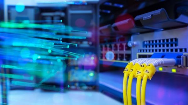 ข้อดีและข้อเสียของระบบการส่งสัญญาณแบบ Fiber Optic เป็นอย่างไร