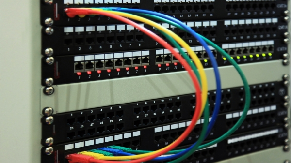 Patch Panel คืออะไร Fiber Optic Patch Panel และ RJ45 Patch Panel ใช้งานอย่างไร มีข้อดีอย่างไร