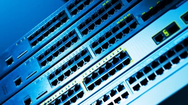 Hub, Switch, Router มีความแตกต่างกันอย่างไร แต่ละประเภทมีวิธีการทำงานอย่างไร
