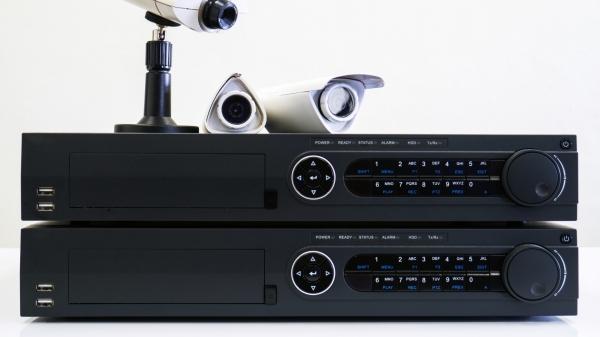 กล้อง IP (IP Camera) และกล้องอนาล็อก (Analog Camera) มีความแตกต่างกันอย่างไร
