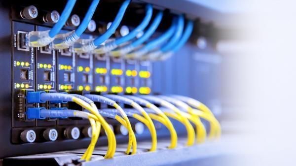 สายไฟเบอร์ออฟติก (Fiber Optic Cable) สายคู่บิดเกลียว (Twisted Pair Cable) และสายโคแอกเชียล (Coaxial Cable)